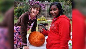 Big Sister Leslie and Little Sister Dejanea